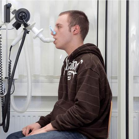 Patient receiving lung volume test